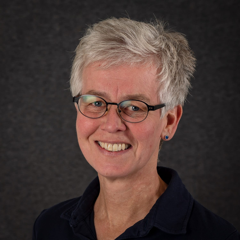 Nana Lise Broch